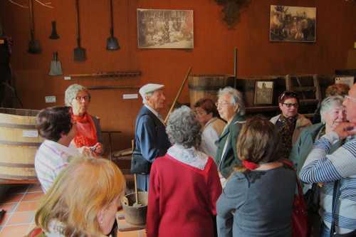 Au cours de cette visite, de nombreux participants se rappelèrent le temps, pas si lointain, où les collines de Rixheim étaient encore plantées de vignes.