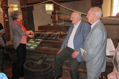 Les anciens se souviennent des vendanges pratiquées jusque dans les années 1960 dans les collines de Rixheim, de Habsheim.