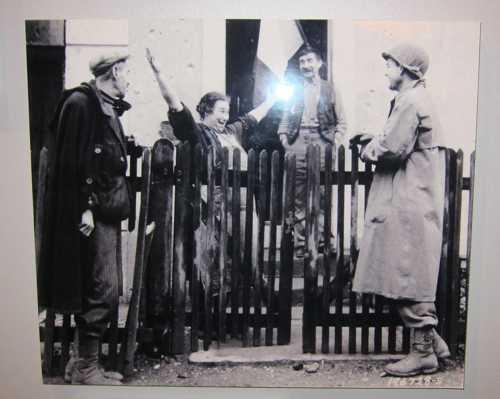 La joie des habitants des villages sundgauviens, libérés par ces soldats français.