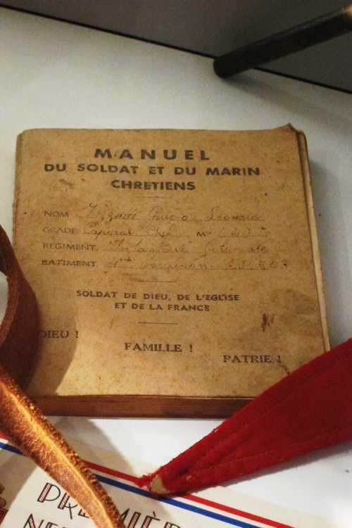 Le manuel du soldat français et du marin chrétiens.