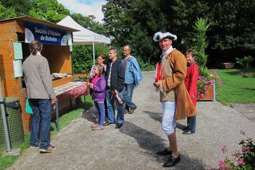 Notre guide, Yves Schlienger, a innové cette année en mettant un costume du XVIII.