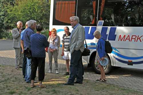 A la descente du bus, l'accueil par Benno Dräger