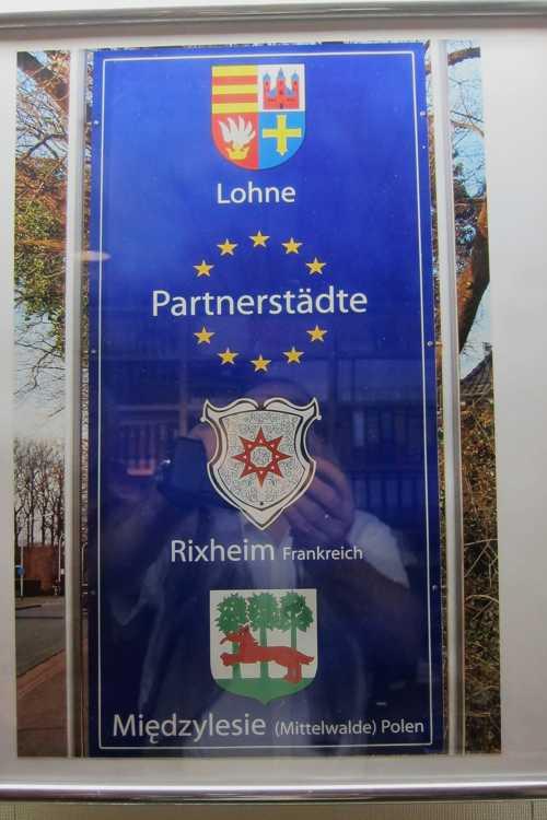 Les deux villes jumelées avec Lohne : Milletwald (Midzelice) et Rixheim