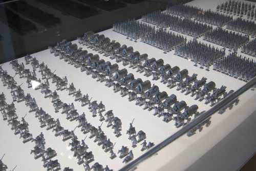 Une maquette représente le déplacement de cette armée romaine.