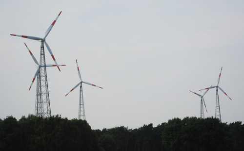 Un peu partout les incontournables éoliennes, une des énergies alternatives au nucléaire abandonné par l'Allemagne.