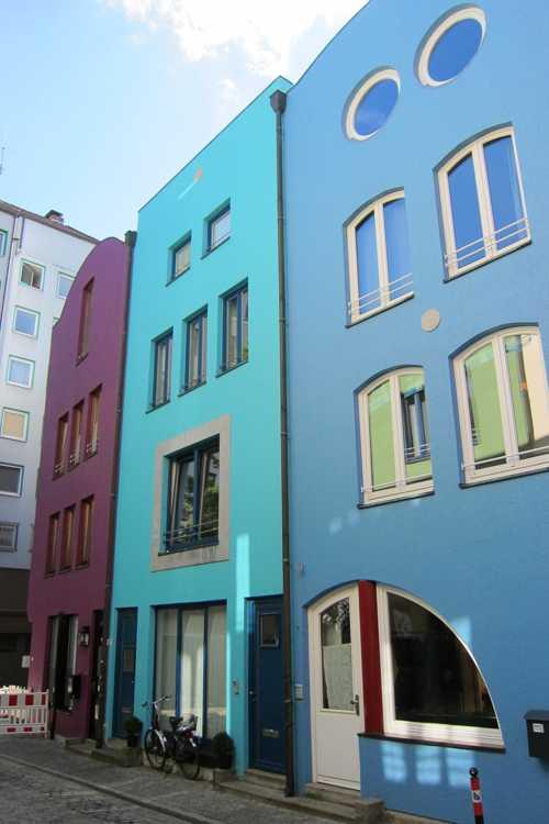Une rénovation toute en couleurs à la limite du Schnoorviertel.