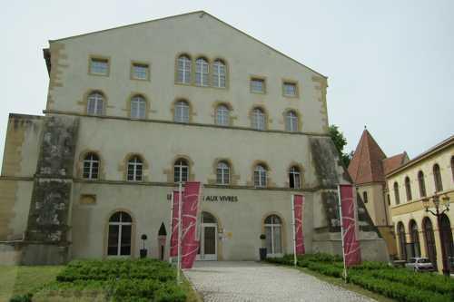 Le magasin aux vivres de la citadelle édifiée au XVI siècle pour protéger la ville de Metz devenue française en 1552.