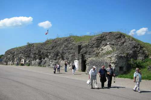 En route vers le bus pour l'étape suivante: Douaumont.