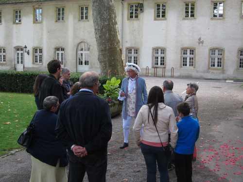 Dans la Cour, Benoît Meyer raconta l'histoire de la Commanderie.