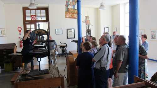 Dans la salle de la presse Guteberg