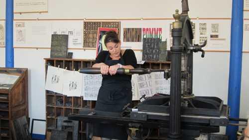 L'impression avec la presse Gutenberg.