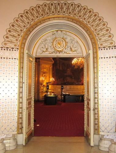 La porte menant du jardin d'hiver à la salle florentine est décoré aux armes du Grand Duché de Bade.