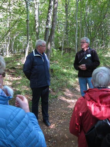 Les explications du guide furent traduites par Hans Hoggenweg.