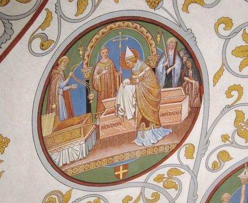Les médaillons du plafond de la chapelle, peints par F-A Martin évoquent des épisodes de la vie du pape Léon IX, comme cette translation des reliques de Sainte Richarde à Andlau, cérémonie à laquelle il procéda lors de son premier séjour en Alsace, l'année de son élection sur le trône de Siant Pierre, en 1049.