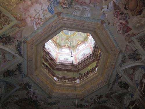 Le Gartensaal s'ouvre jusqu'à la coupole qui couronne le château.