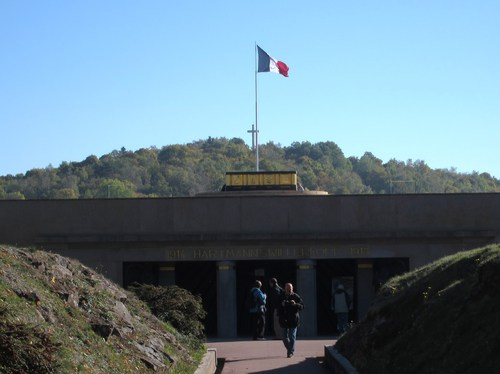 Le Monument National, financé par une souscription nationale à l'initiaz