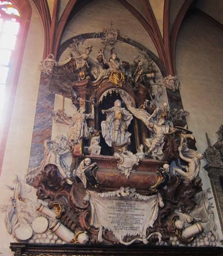 Le plus imposant des mausolées est celui de Ludwig Wilhelm (Louis-Guillaume) (1655-1707) qui régna de 1677 à 1707. Il guerroya contre l'ennemi turc ce qui lui valut le surnom de Türkenludwig (Louis le Turc).