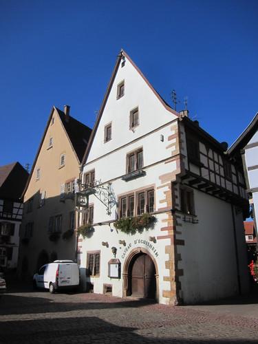 Le caveau d'Eguisheim, ^propriété de la société de propagande des vins d'Eguisheim.