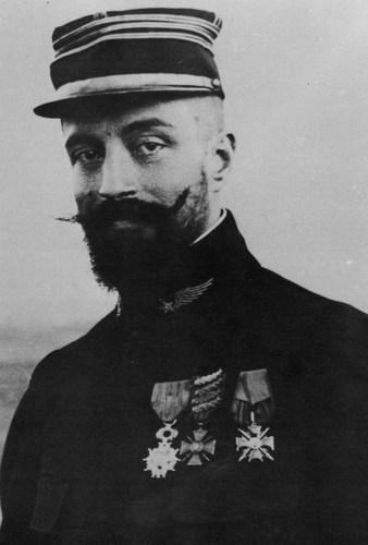 Le capitaine Maurice Happe, commandant du groupe de bombardement N°4, stationné à Belfort.