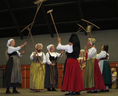 Les danseuses de la Sundgauvia .