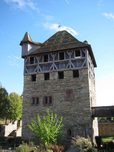 La maison fortifiée de Mulhouse, datée du XII -XIII siècle, démolie en 1983 lors d'une opération de rénovation urbaine, fut reconstruite de 1985 à 1988 sous la forme d'un petit château de plaine.