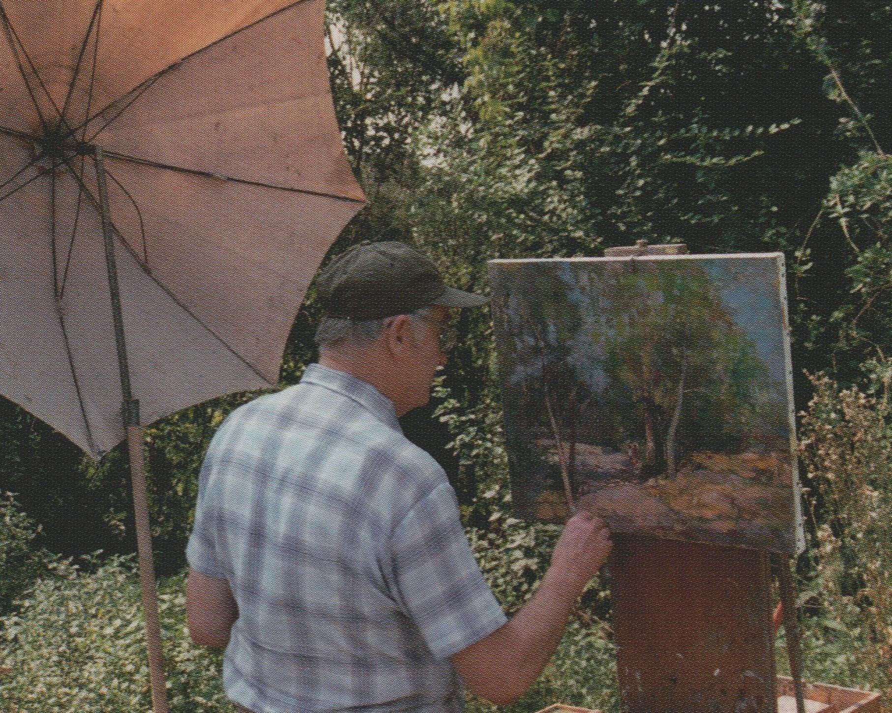 René Vetter, en train de peindre dans les collines de Rixheim.