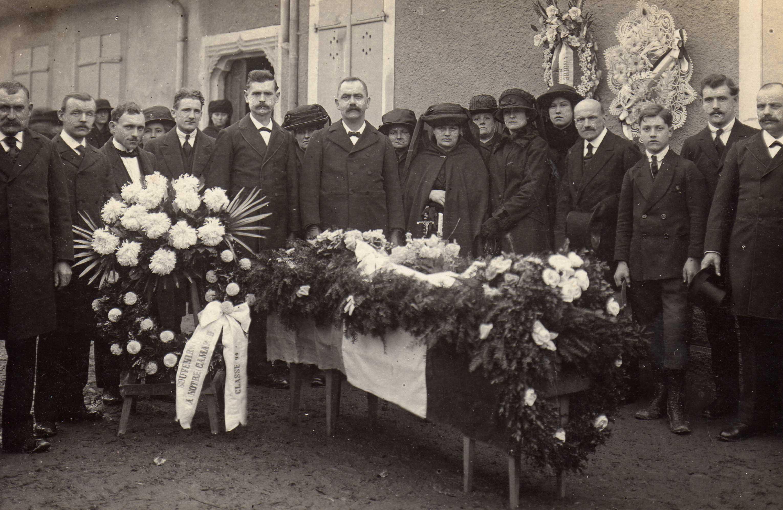 La cérémonie des obsèques de Jules Grumet