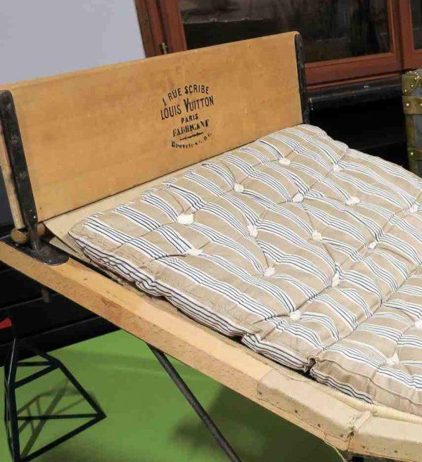 Le lit estampilleé Louis Vuitton