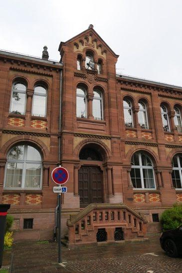 L'imposante école de garçons construite en 1879-1880, sous le mandat de Xavier Nessel.