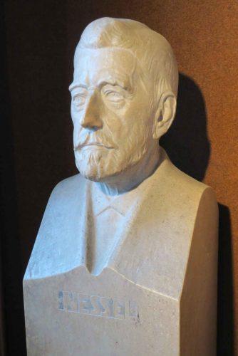 Le buste du maire Xavier Nessel exposé dans le Musée.